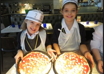 International Month, Year 4 visit Pizza Express